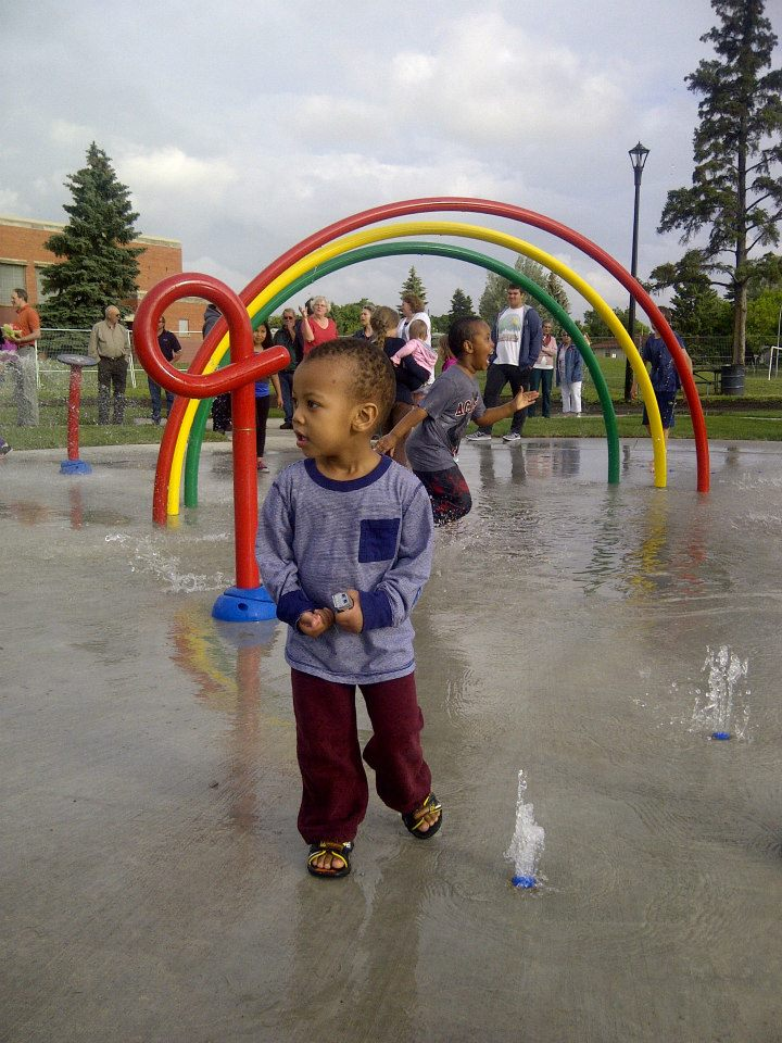 Children enjoying new Spruce Avenue spray park
